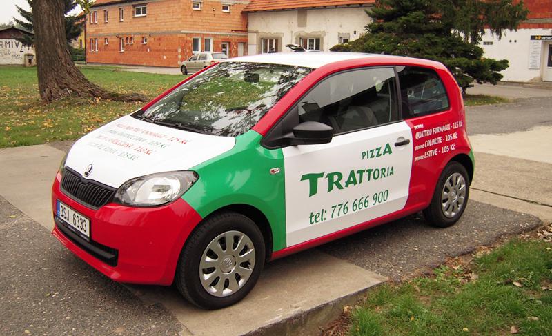 Reklamní polep auta pizzerie Pizza Trattoria