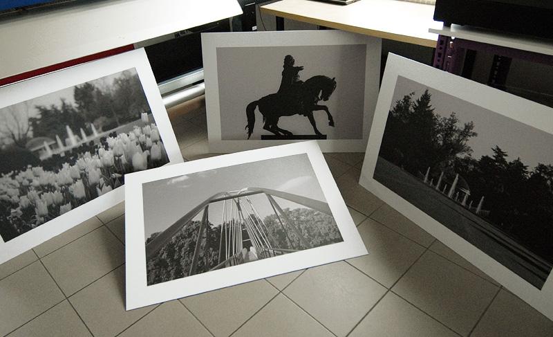 Tisk fotografií s matným finišem a polep na sendvičové desky do interieru